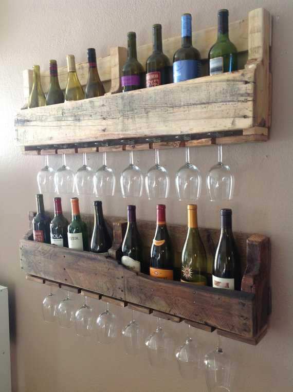 Prateleira para guardar vinhos e taças