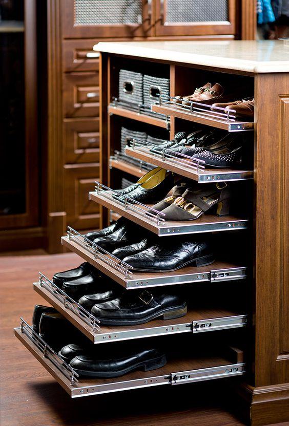 closet com suporte para sapatos