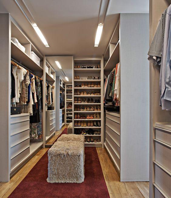 closet simples e organizado