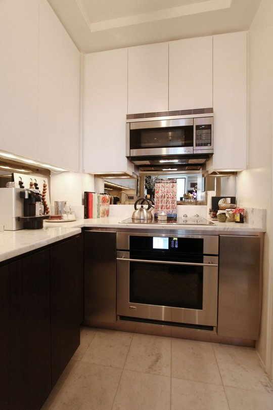 Cozinha de apartamento pequeno 30 id ias incr veis com fotos for Decoracion de cocinas pequenas 2016