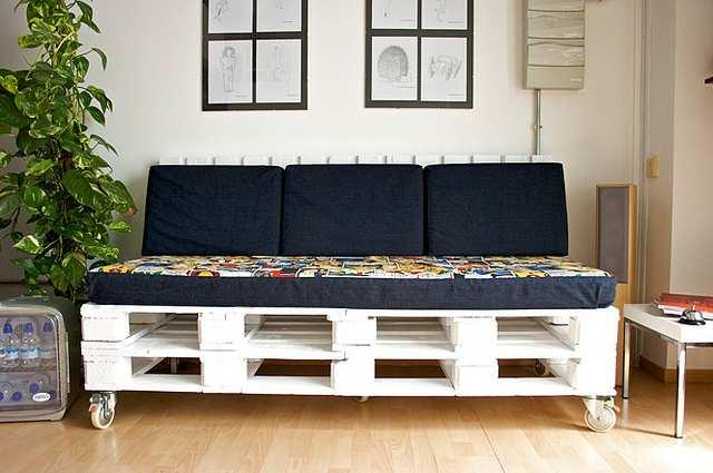 Sof de pallet como fazer como fazer as almofadas com - Como hacer sofas de palets ...