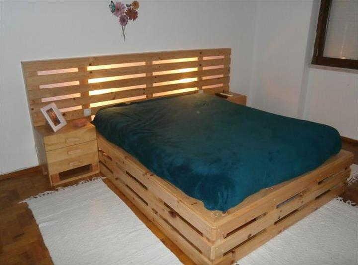 cama de pallet mais de 70 modelos e imagens com passo a passo. Black Bedroom Furniture Sets. Home Design Ideas