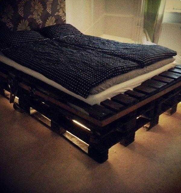 Cama de pallet mais de 70 modelos e imagens com passo a for Cuanto sale un sofa cama