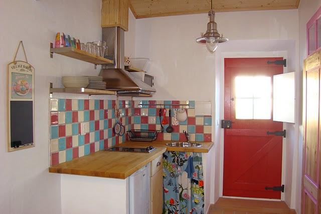 Cozinha simples na casa de praia