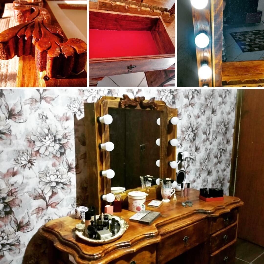 Painel de pallet com espelho e luzes
