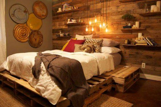 parede de madeira com pallets 65 fotos para voc fazer a sua. Black Bedroom Furniture Sets. Home Design Ideas