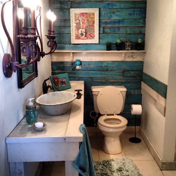 Parede banheiro com pallets