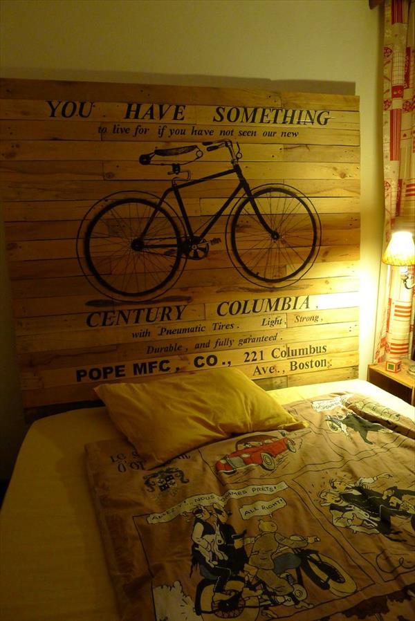 cabeceira com pallet adesivo bicicleta