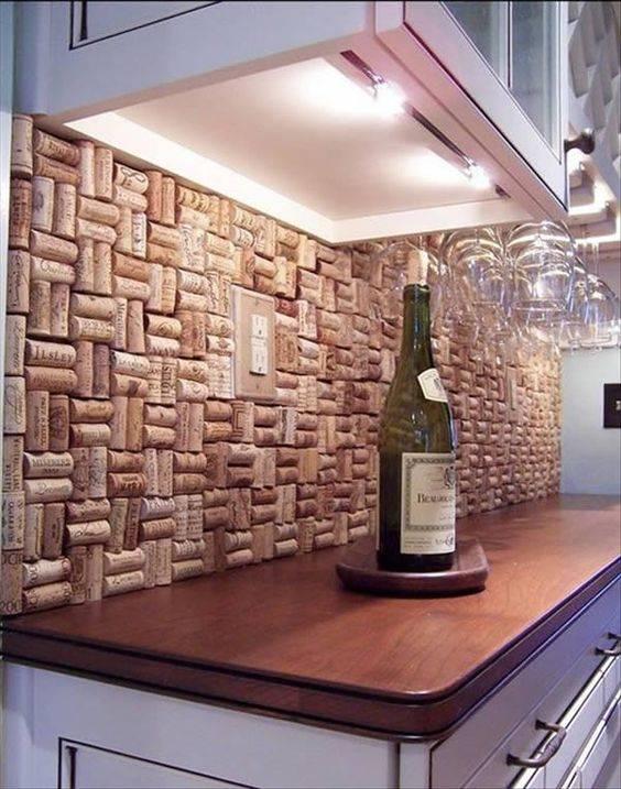 parede com rolhas de vinho