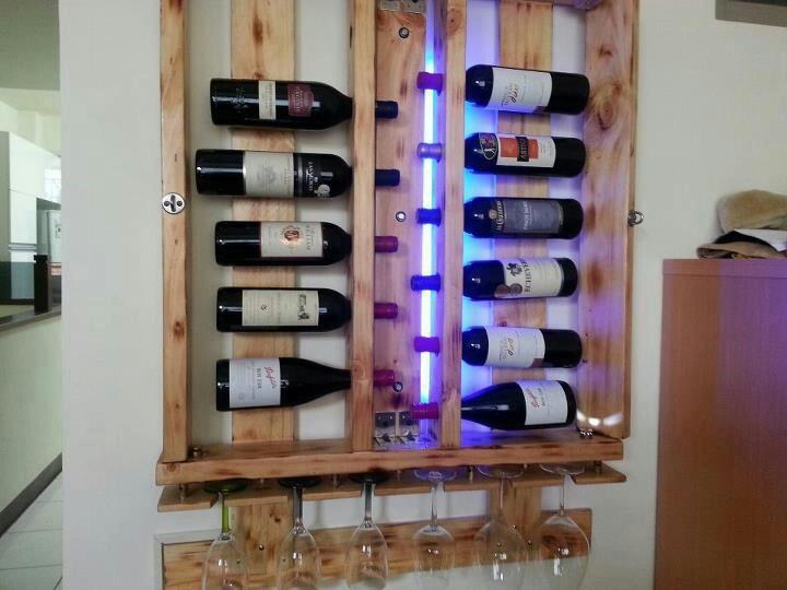 com garrafas na horizontal