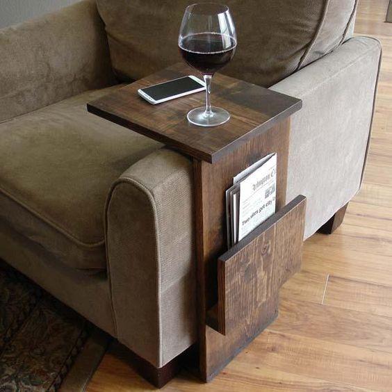 apoio de sofa e revisteiro