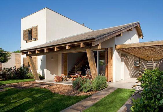 fachada de telhado com varanda