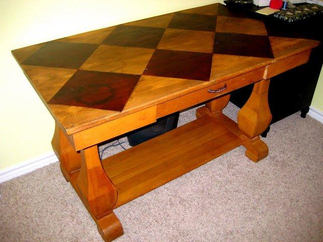 mesa com verniz