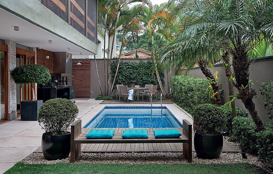 casas bonitas com piscina e jardim