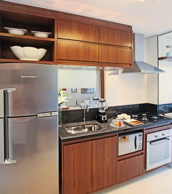 cozinha com partes em madeira
