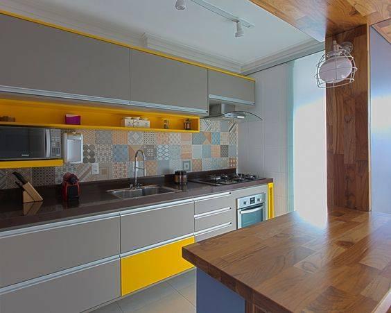 cozinha sob medida amarela