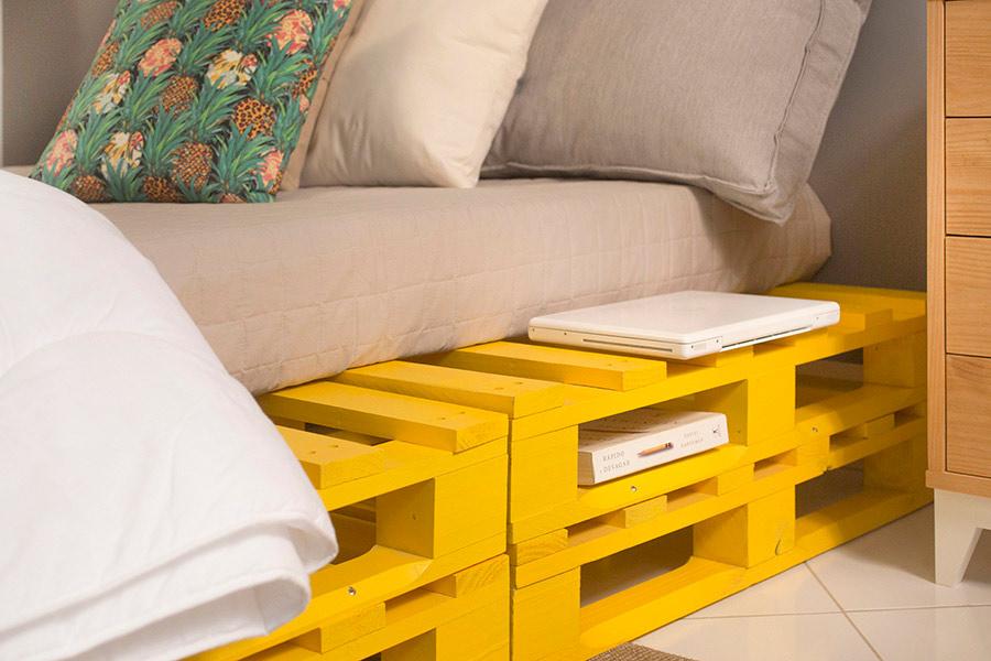 lindo Sofá de palete amarelo