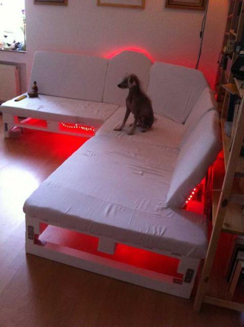 sofá de pallet com led