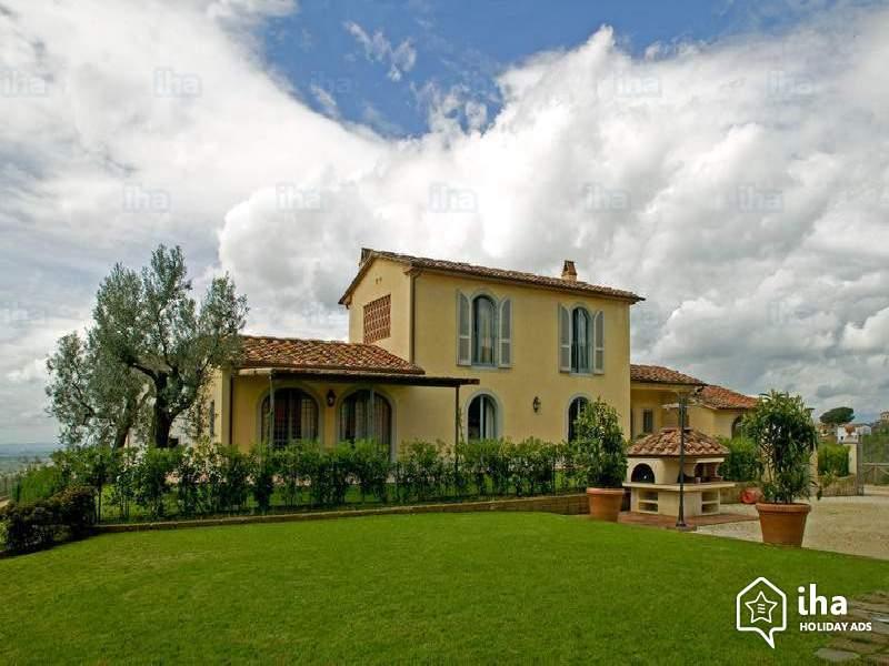 Casas de campo estilo toscano e com jardim