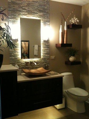 banheiro com baixa iluminação