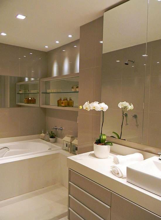 Mais de 100 Banheiros Planejados  As Melhores Dicas Para Você -> Banheiro Pequeno Planejado Com Banheira