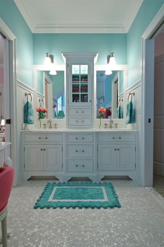 banheiro delicado em azul
