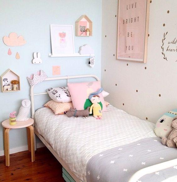 decoração de quarto de menina minimalista