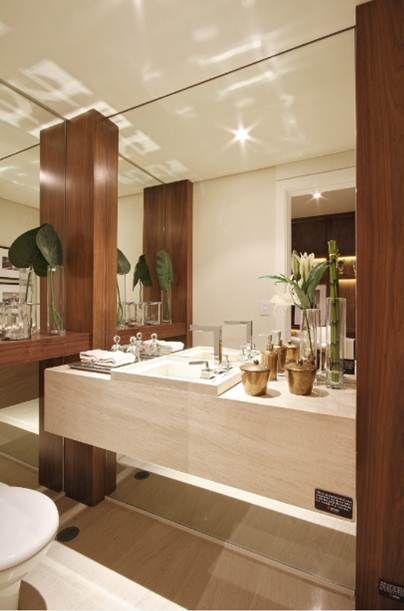 espelho no banheiro