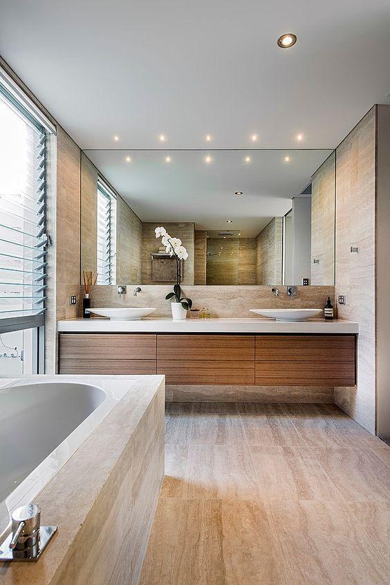espeljho grande no banheiro