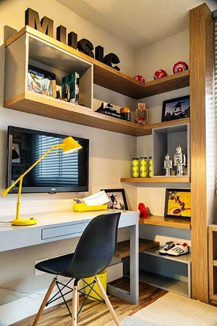 mesa de estudos amarela