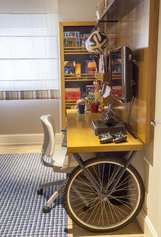 mesa de estudos rodas de blcicleta