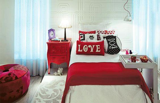 quarto de menina vermelho