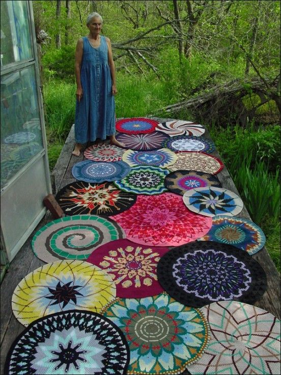 varios tapetes de croche