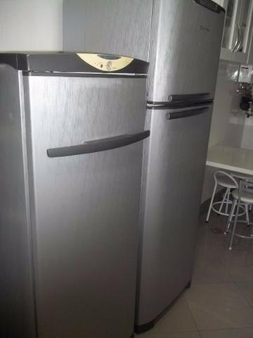 Adesivo vinil aço escovado na geladeira