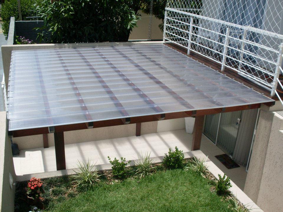 Pergolado com telha transparente