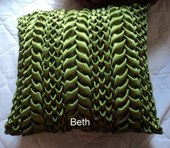 almofada capitone verde musgo