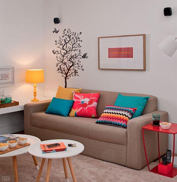 almofadas coloridas para decorar a sala