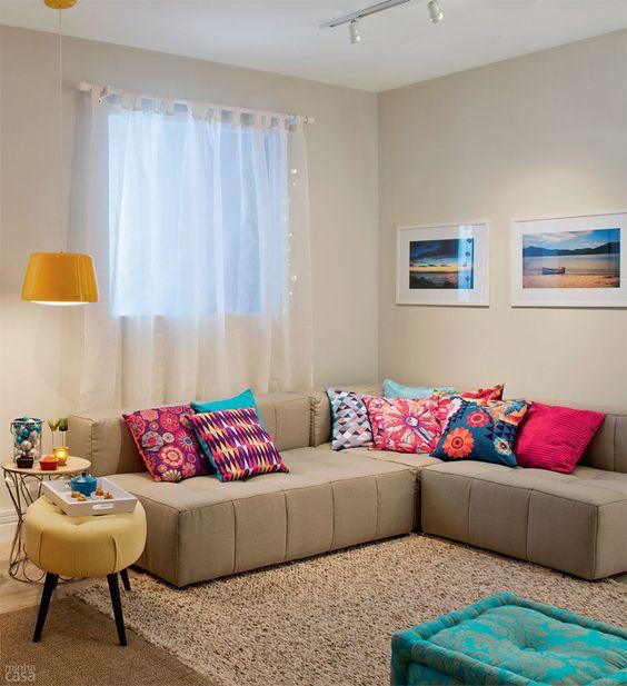 almofadas coloridas sofa de canto