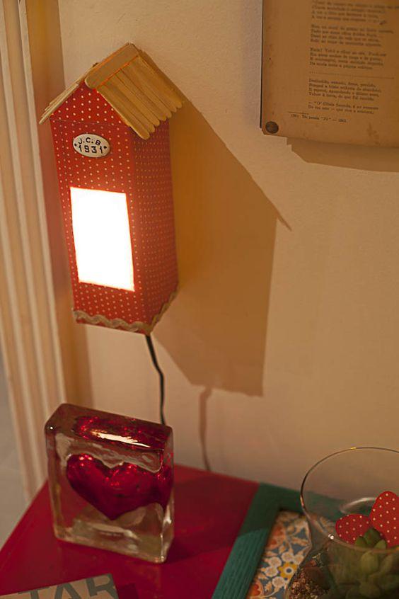 casinha de luminaria com caixa de leite