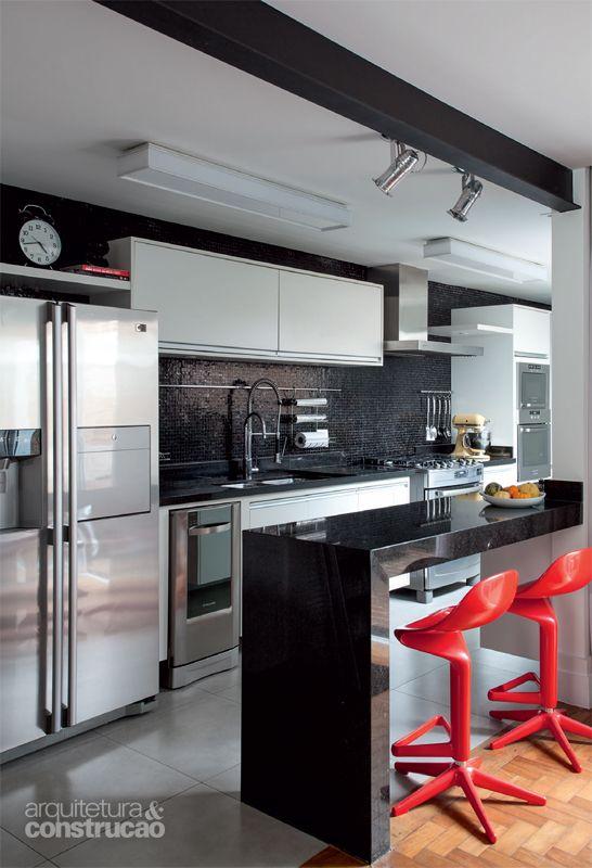cozinha americana bancada preta