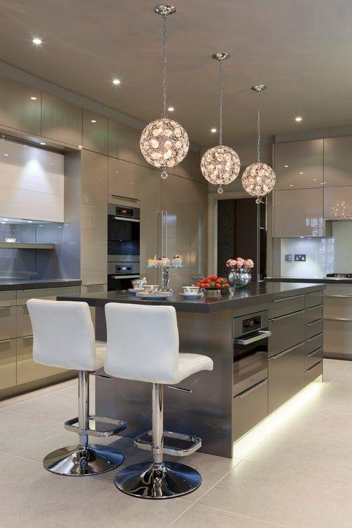 cozinha com estilo cinza na decoração