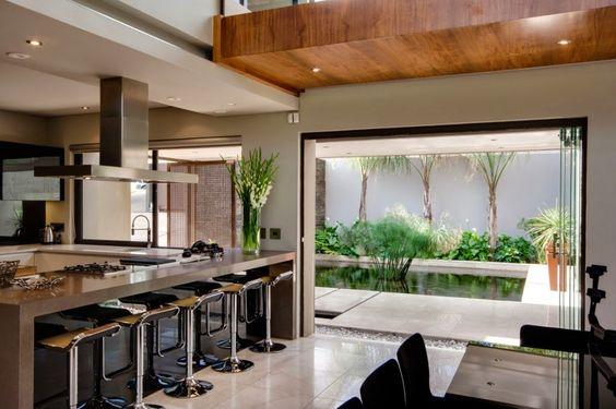 cozinha interligada com a varanda
