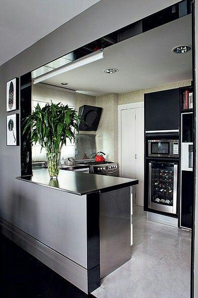 marmore e detalhe pretos na cozinha
