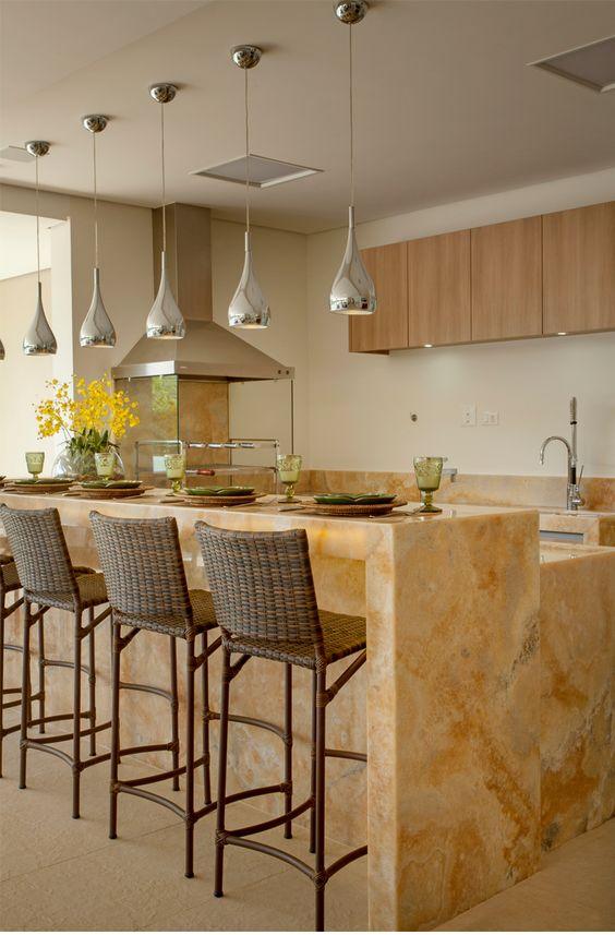 marmore na bancada da cozinha