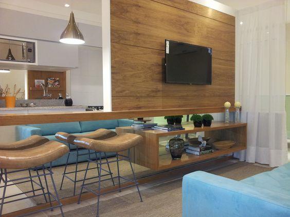 painel de tv integrado com a cozinha