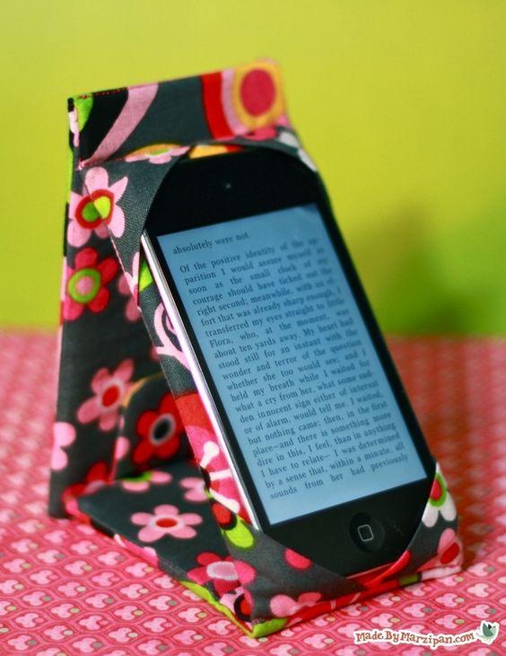 suporte de celular com caixinha de leite
