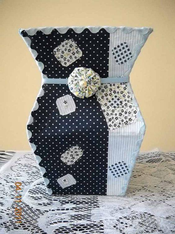 vasinho de caixa de leite preto e branco