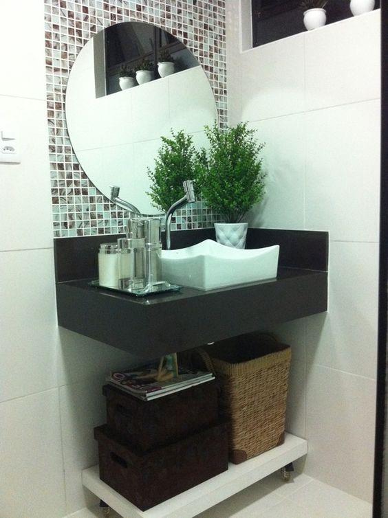 Banheiros Pequenos  100 Formas Diferentes de Decorar Lindamente! -> Pia Banheiro Azul