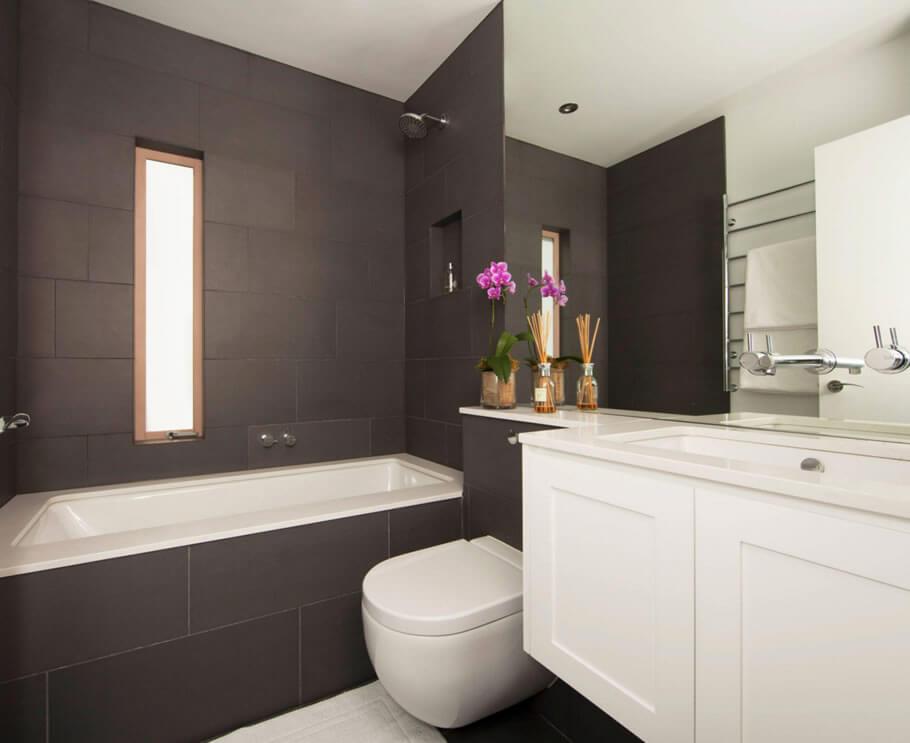 Banheiros pequenos com banheiraa