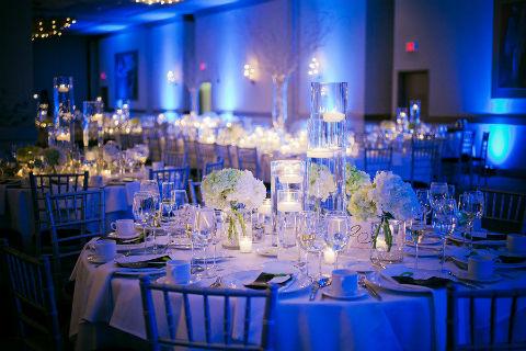Decoração de casamento azul e branco